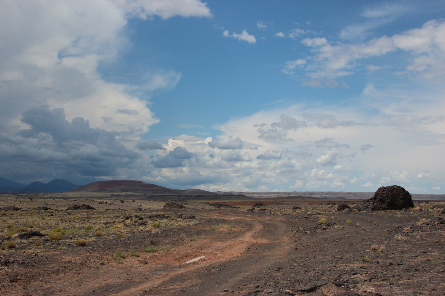 Road to Roden Crater in Arizona