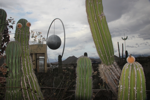 """Art and Beer,"" a roadside bar and sculpture garden in Baja del Sur, Mexico"